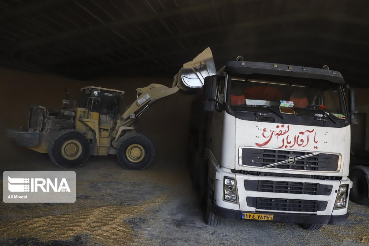 خبرنگاران اعزام 33 دستگاه کامیون از لرستان به بندر امام خمینی(ره)