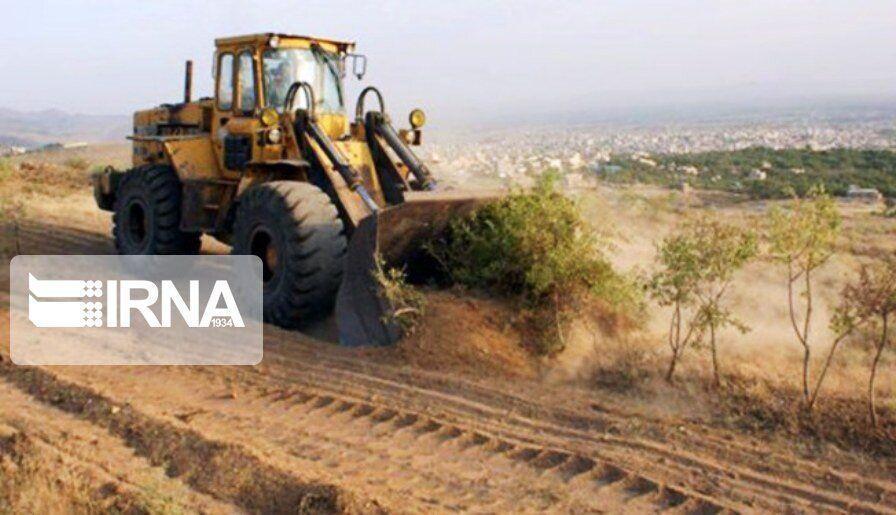 خبرنگاران زمین خواری هفت هکتاری در بندر دیلم بوشهر کشف شد