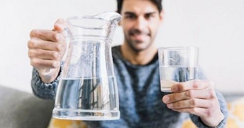 با خوردن آب ناشتا، لاغر شوید