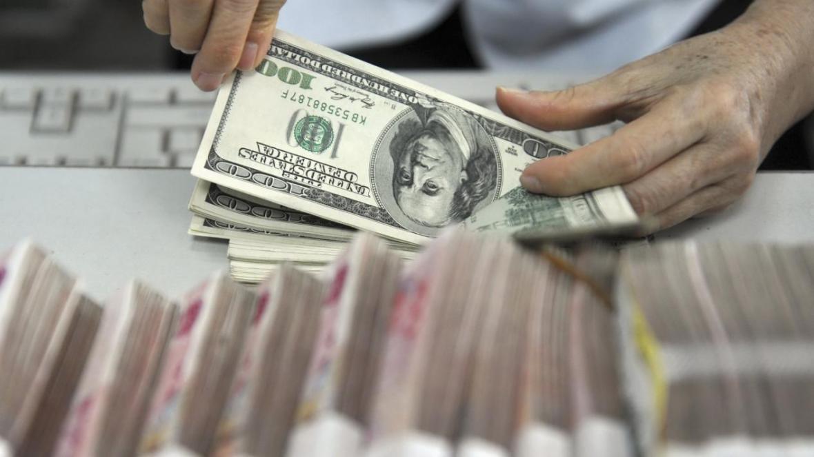 دلار همچنان در اوج