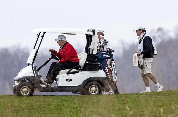 ترجیح ترامپ به گلف بازی به جای حضور در نشست بحران کرونا رهبران گروه 20