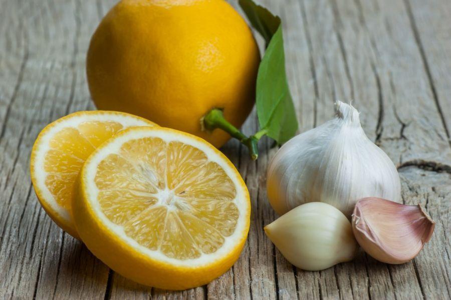 طرز تهیه معجون سیر و لیمو