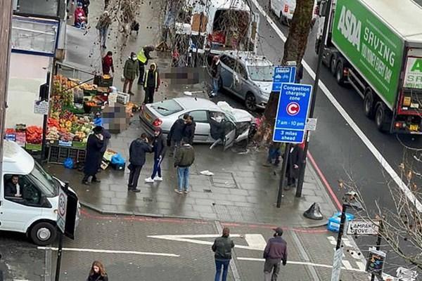 یورش خودرو به عابران پیاده در لندن