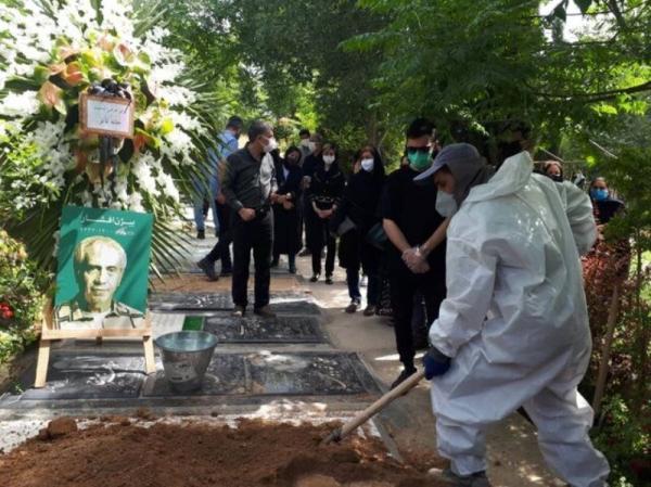 خبرنگاران پیکر بیژن افشار در قطعه هنرمندان بهشت زهرا (س) آرام گرفت