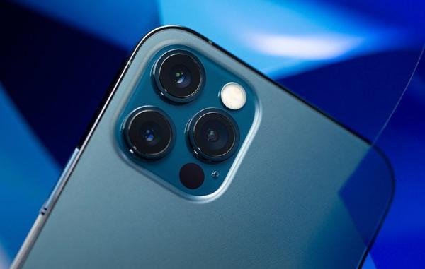 آیفون های 13 احتمالا ضخیم تر هستند و دوربین برجسته تری دارند