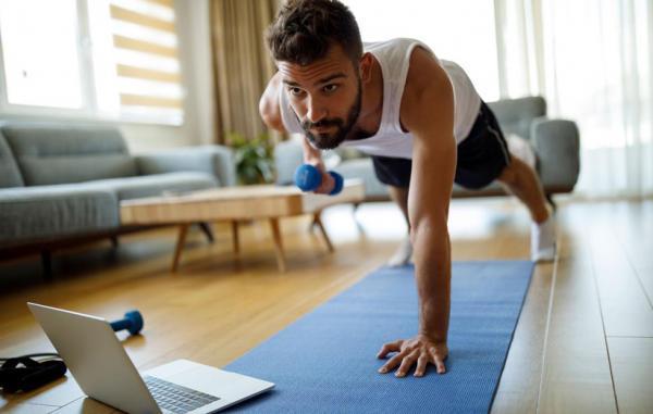 14 ورزش خانگی که به راحتی می توانید در فضای بسته انجام دهید