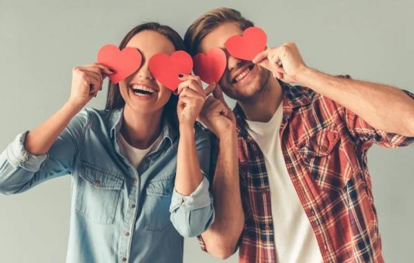 6 مرحله رابطه عاشقانه که تمام زوج ها پشت سر می گذارند